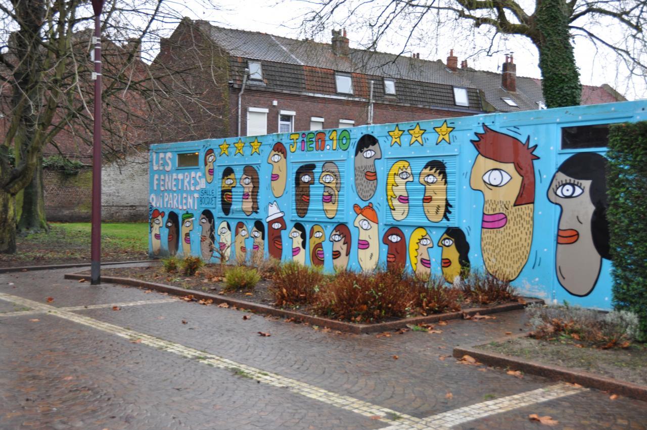 """Local des permanences (Parc Bocquet) """" Les fenêtres qui parlent"""""""
