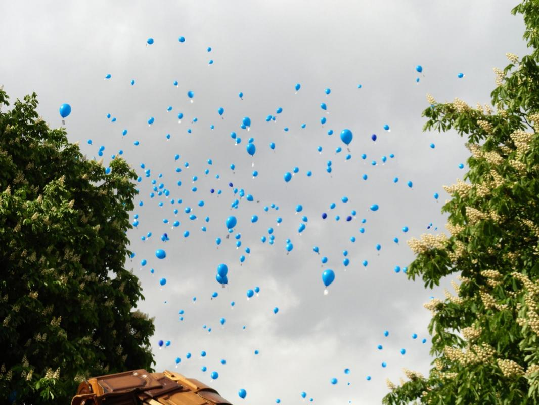 500 balloons and messages of hope 2019 lille france